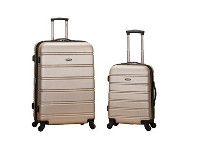 Save 72 When Buy Rockland Luggage 20 Inch And 28 Inch 2 Piece Expandable Spinner Set At Amazon